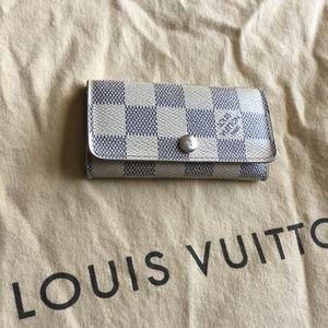 Authentic Louis Vuitton Damier Key Chain